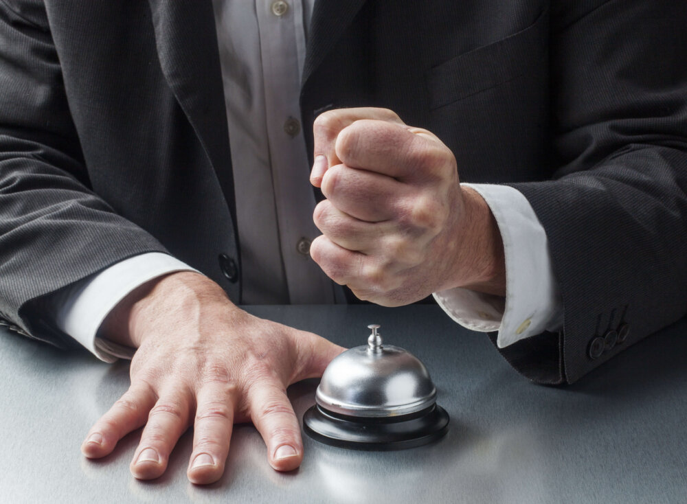 how to deal with angry customer to improve customer satisfaction